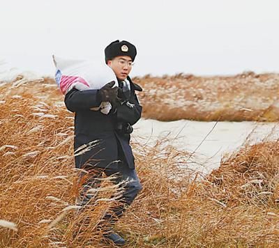 青春诗篇写在鄱阳湖畔(保护区里的年轻人(12))