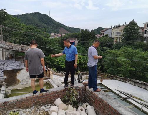 株洲市生态环境局醴陵分局对入河排污口进行现场核查